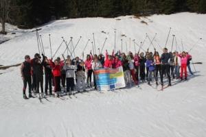 Společné foto účastníků běžkařského kempu